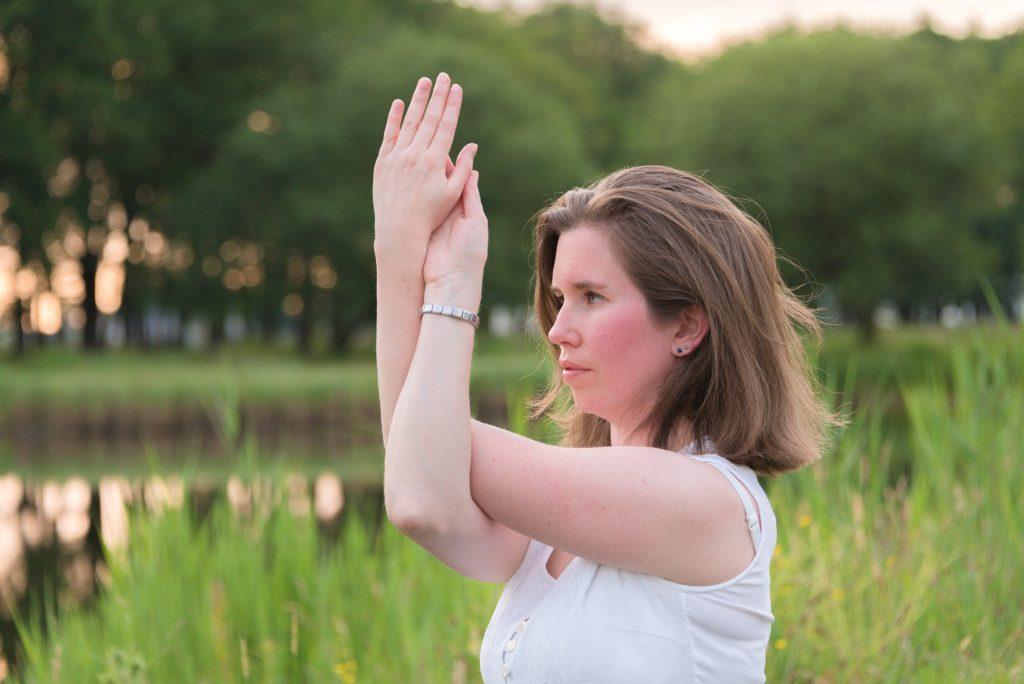 Elly Cox geeft yogalessen in Baarlo, Grubbenvorst en Sevenum
